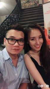Trước đó bạn bè và fan cũng đã bán tính bán nghi mối quan hệ tình cảm này, nhưng Khắc Việt giấu kĩ quá