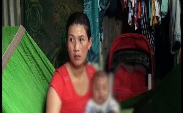 Liên cùng con nhỏ chưa đầy 3 tháng tuổi tại nhà riêng