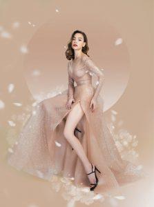 Chiếc đầm làm đôi chân thon gọn của Hồ Ngọc Hà được tôn lên