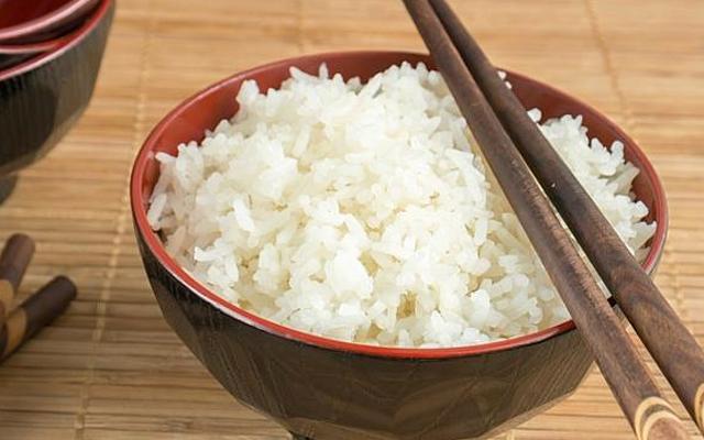 Bạn mơ thấy ăn cơm là điềm báo về điều gì ?