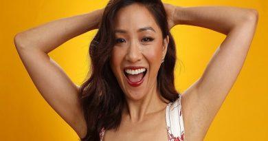 """Hành trình từ Lọ Lem thành đấu sĩ của nữ chính """"Crazy Rich Asians"""""""