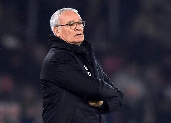 HLV Ranieri bị sa thải khi hi vọng trụ hạng của Fulham trở nên mong manh