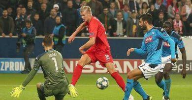 Lập cú đúp vào lưới Napoli, sao trẻ Haaland lại đi vào lịch sử