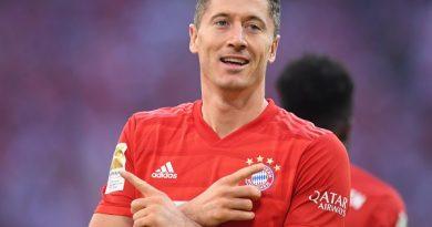 Tin bóng đá tối 23/3: Lewandowski ủng hộ số tiền lớn chống Covid-19