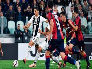 Bologna vs Juventus: Rũ bùn đứng dậy