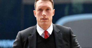 Tin thể thao 18/3: Man United chốt giá bán trung vệ Phil Jones