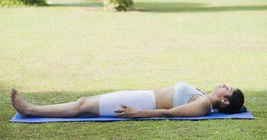 Top 5 bài tập yoga buổi tối giúp bạn xả stress và ngủ ngon hơn
